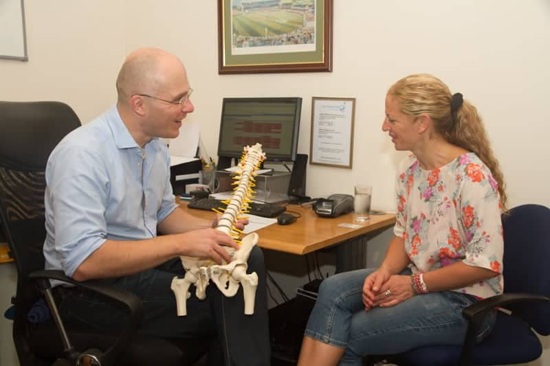 Alt: Osteopathic Consultation